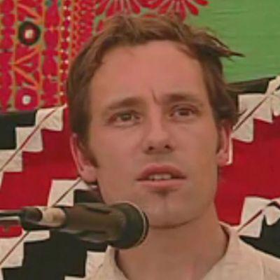 Mark van Tongeren Gives Lesson in the Art of Throat-singing