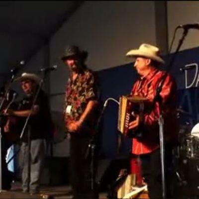 """""""Ay te dejo en San Antonio"""" by Los Texmaniacs from Texas Towns & Tex-Mex Sounds"""