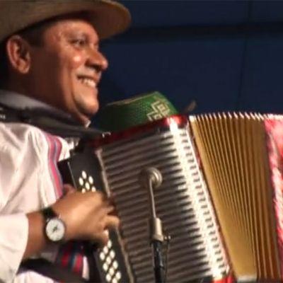 Estrellas del Vallenato Performs at 2009 Folklife Festival