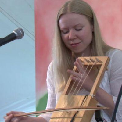 Ceri Rhys Matthews and Ceri Ashton Perform at 2009 Smithsonian Folklife Festival