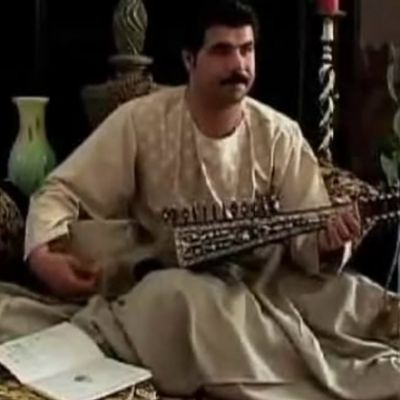 Homayun Sakhi Performs on Rubâb