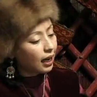 Bardic Divas: Women's Voices in Central Asia